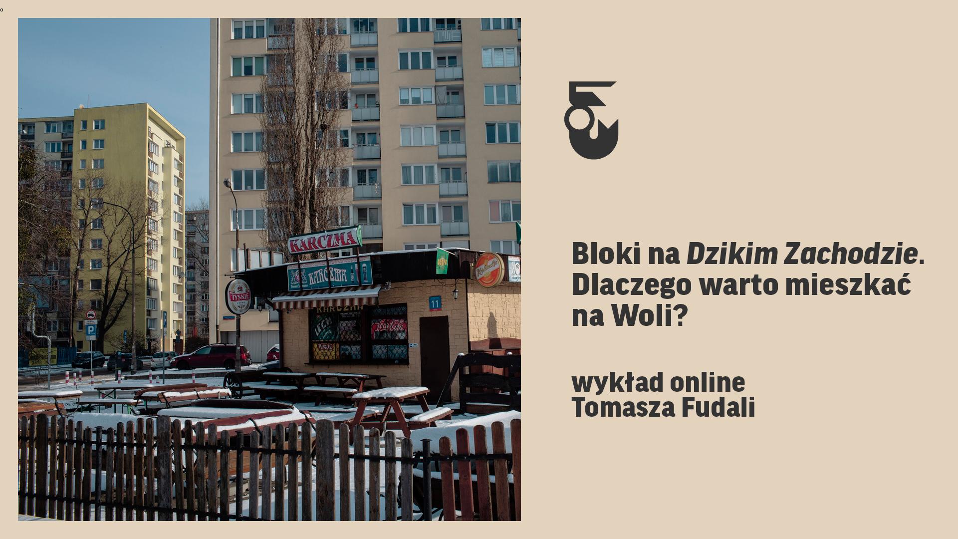 Grafika. Beżowe tło. po prawej tytuł wydarzenia po lewej zdjęcie blokowiska z karczmą pośrodku.